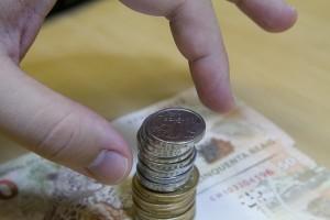 713202005-economia-dinheiro-moedas-notas-inflacao