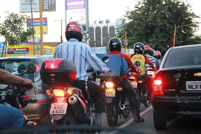 Insegurança no trânsito e medo de roubos são principais fatores para procura do seguro de motos | Foto: Adailson Calheiros