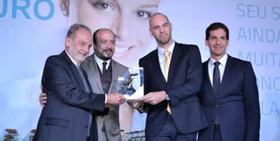 José Luis S. F. da Silva e equipe Europ recebendo o Troféu Gaivota de Ouro 2015