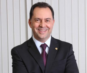 Presidente do Sincor-SP, Alexandre Camillo