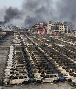 Veículos destruídos pela explosão em Tianjin |Foto: Ng Han Guan/AP Photo