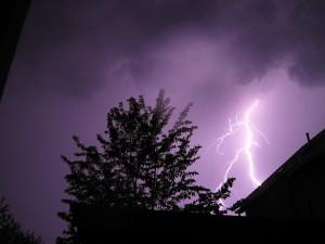 thunderstorm-915919_640