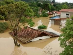 Em Rio do Sul há casas com água até o telhado|Foto: Caio Marçani/Divulgação